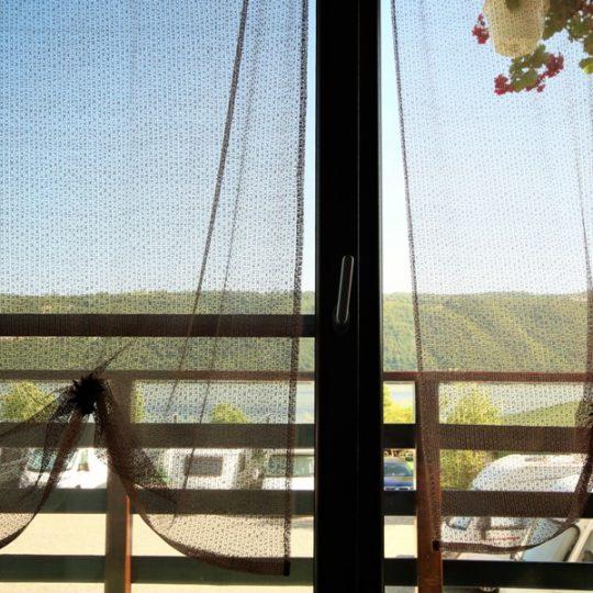 http://pensiuneadanubia.ro/wp-content/uploads/2016/02/Cazare-in-Camera-tripla-superioara-Pensiunea-Noua-Pensiunea-Danubia-Eselnita-Cazanele-Dunarii-Mehedinti-7-540x540.jpg