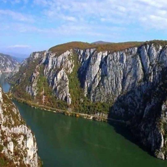 http://pensiuneadanubia.ro/wp-content/uploads/2016/03/Rezervatia-Cazanele-Mici-si-Mari-6-540x540.jpg