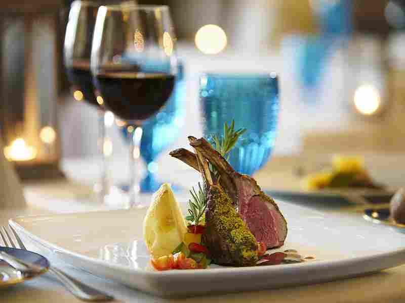 http://pensiuneadanubia.ro/wp-content/uploads/2016/03/restaurant-offer-01.jpg