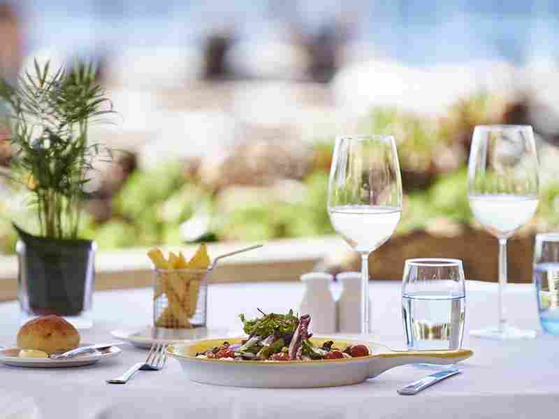 http://pensiuneadanubia.ro/wp-content/uploads/2016/03/restaurant-offer-04.jpg