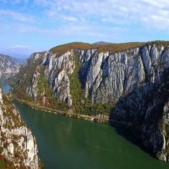 https://pensiuneadanubia.ro/wp-content/uploads/2016/03/Rezervatia-Cazanele-Mici-si-Mari-6-540x540.jpg
